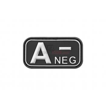 PARCHE PVC GRUPO SANGUINEO A- NEGRO/BLANCO